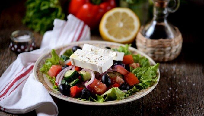Mērce grieķu salātiem ar balzamiko