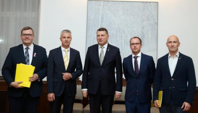 Nākamie ārlietu, aizsardzības un iekšlietu ministri būs jāsaskaņo ar prezidentu, norāda Pabriks