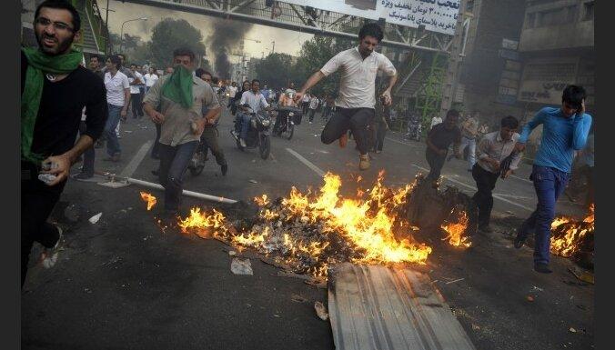 Irānā nogalināts opozīcijas līdera radinieks