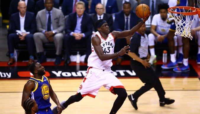 Teju perfektais Siakams aizved 'Raptors' līdz kluba pirmajai uzvarai NBA finālos