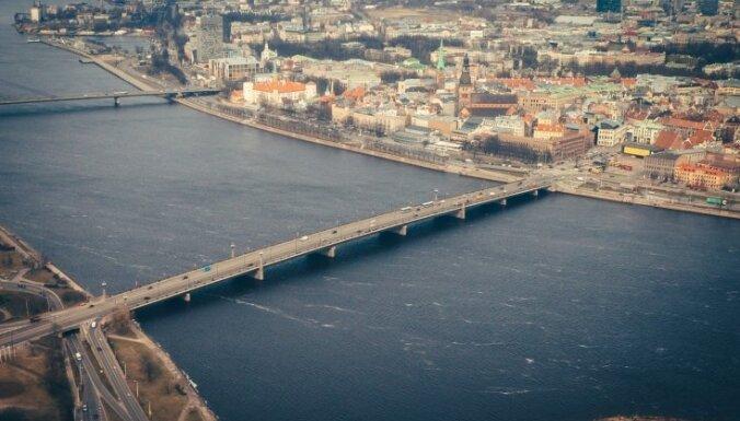 На Каменном мосту за час предотвратили две попытки самоубийства