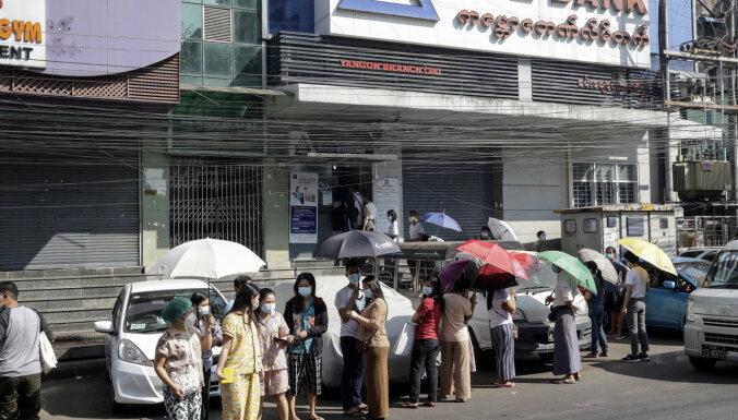 Apvērsums Mjanmā: mirušo skaits pārsniedzis 300