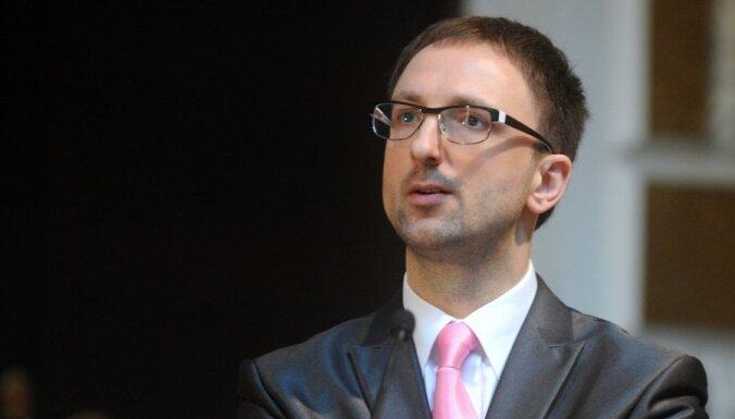 Latviju pametušais deputāts Čaklais, iespējams, rudenī noliks mandātu