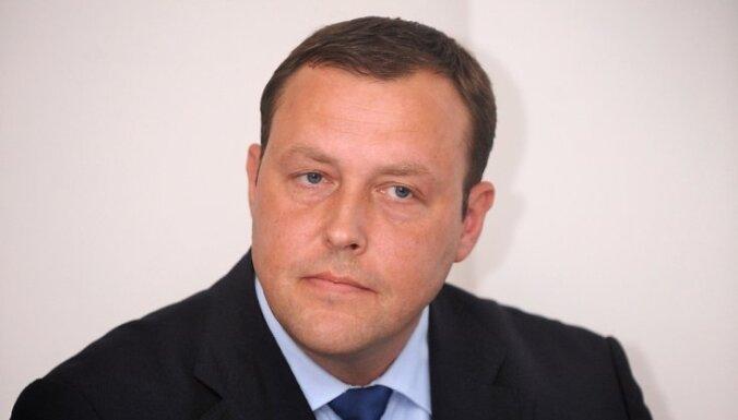 Kozlovskis prasa policijai skaidrojumu par savlaicīgu neierašanos nozieguma vietā