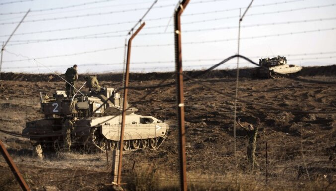 Израильский танк уничтожил несколько сирийских САУ