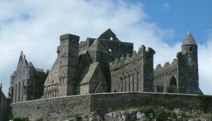 Karalisks ceļojums: vēsturiskas un neparastas pilis Britu salās