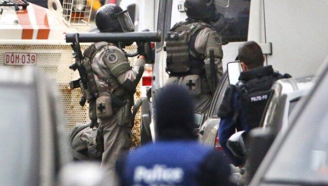 Avoti: policija Briseles metro terorakta lietā meklē vēl vienu aizdomās turamo