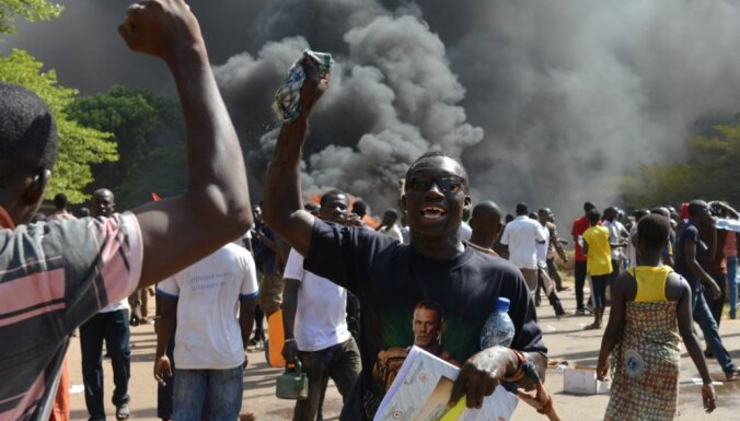 """В Буркина-Фасо демонстранты объявили о начале """"черной весны"""""""