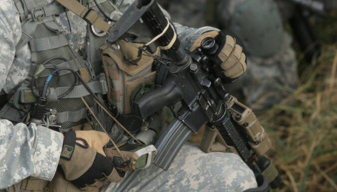 """На учениях НАТО эстонцев защищают от нападения """"крупного государства"""""""