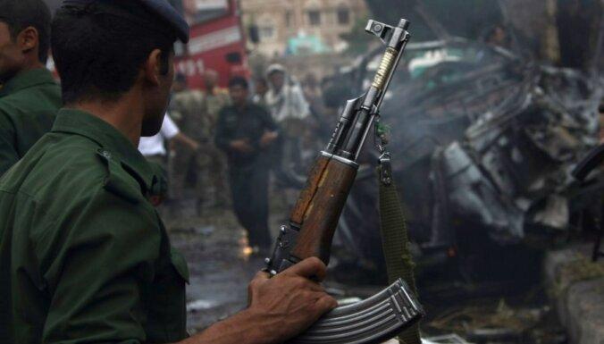Atentātā pret Jemenas aizsardzības ministru 10 bojāgājušo