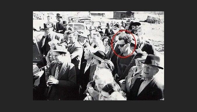 На фотографии из прошлого нашли человека из будущего