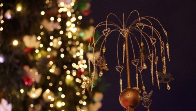 ФОТО: В Риге зажглись главные ёлки