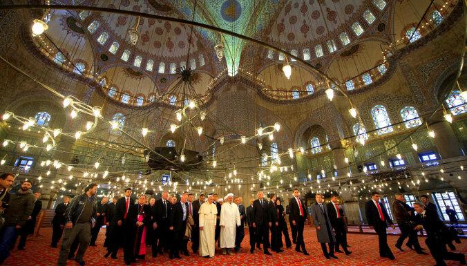 Turcijas ekonomikai slīkstot, Reliģisko lietu direktorāta budžets aug