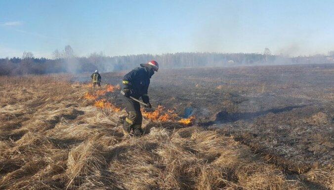 Šogad reģistrēti jau 69 kūlas ugunsgrēki