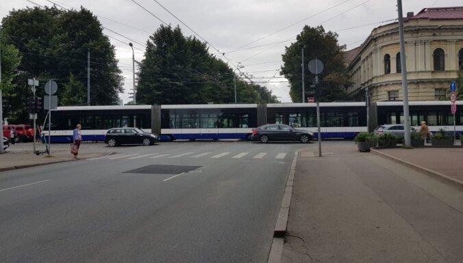 Движение общественного транспорта на улицах Кр. Барона и Райня восстановлено
