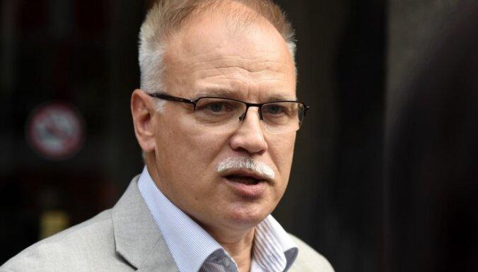 'Saeima visu vēl var glābt' – mediķu arodbiedrība pieļauj plašas protesta akcijas