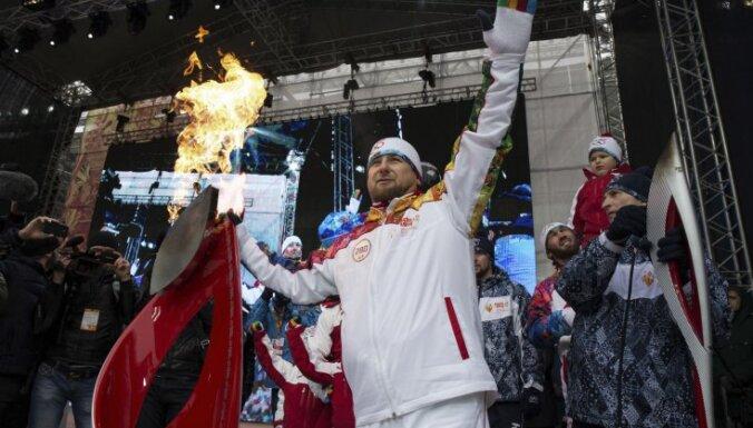 """ВИДЕО: Кадыров зажег олимпийский огонь с криком """"Аллах Акбар!"""""""