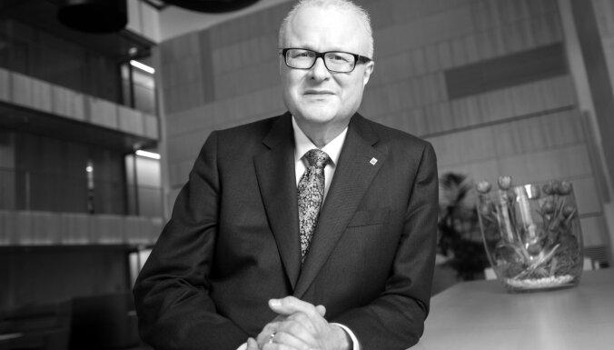 Covid-19: Hesenes finanšu ministrs zem vilciena meties 'dziļās bažās' par krīzi