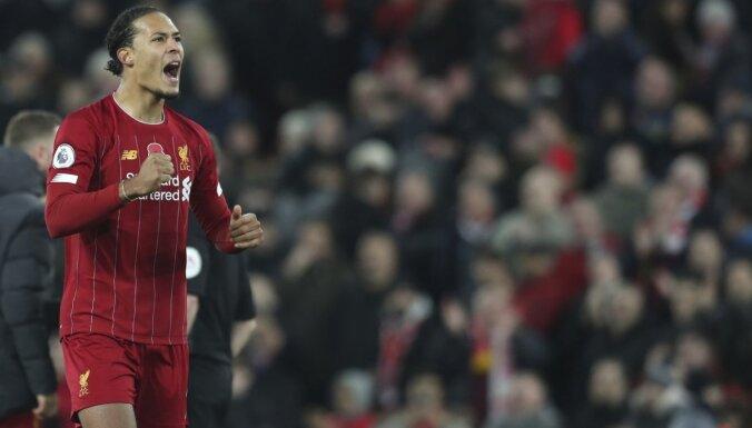 'Liverpool' premjerlīgas grandu duelī uzvar Mančestras 'City'