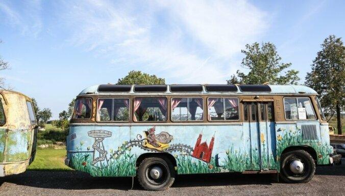 """ФОТО: Автомузей в Литве, где выставлены машины из сериала """"Чернобыль"""""""