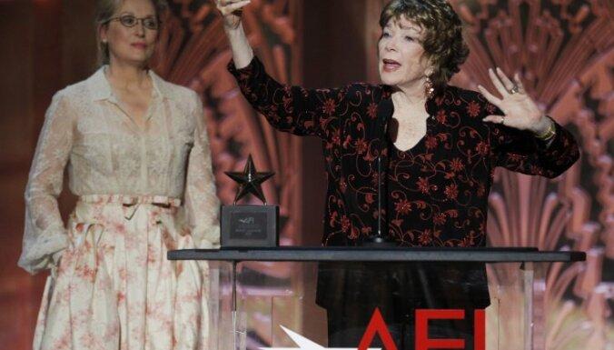 Amerikas Filmu institūts godina Šērliju Makleinu