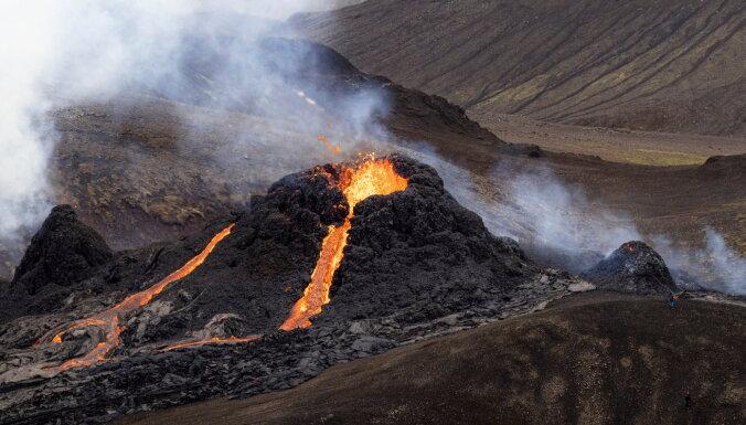 Foto: Islandē turpinās neliels vulkāna izvirdums