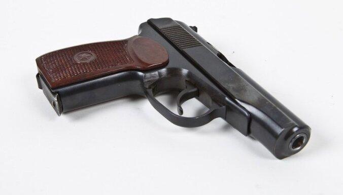 Igaunijas spēki nezina Ukrainai uzdāvināto 'Makarov' pistoļu izcelsmi