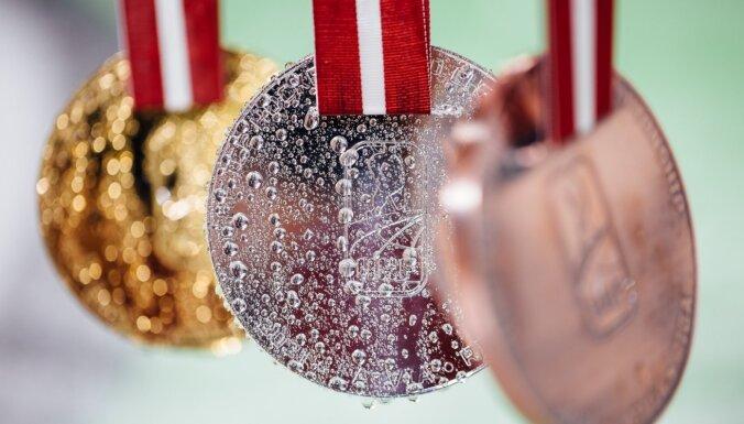 ФОТО: Представлены медали чемпионата мира по хоккею в Риге