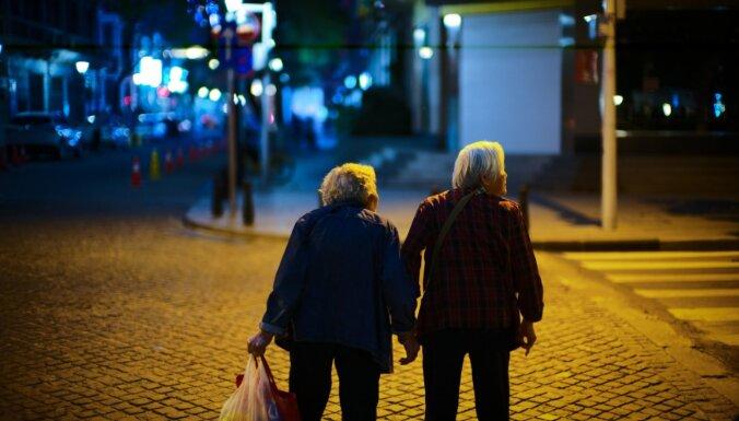 Pagriez bioloģisko pulksteni atpakaļ: paņēmieni, kas var palīdzēt aizkavēt novecošanos
