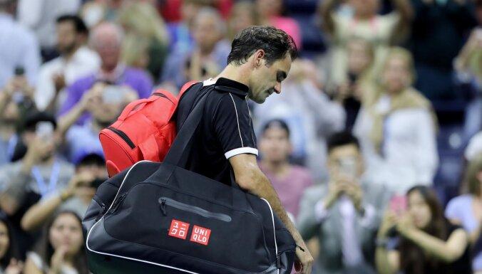 Federers negaidīti piekāpjas neizsētajam bulgāram Dimitrovam