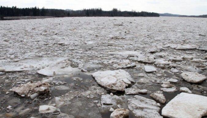 Daugavā pie Jēkabpils saglabājas vižņu sastrēgums un augsts ūdens līmenis