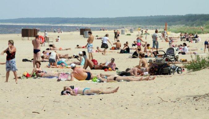 На рижских пляжах найдены пять потерявшихся детей и собака