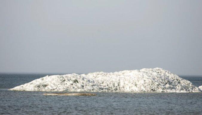 Salacgrīvas ostā jau trešo nedēļu apstājusies kuģu satiksme