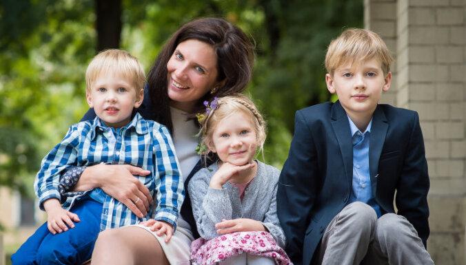 На параплане, самолете и парашюте: как многодетной маме Ольге Залане удается витать в облаках