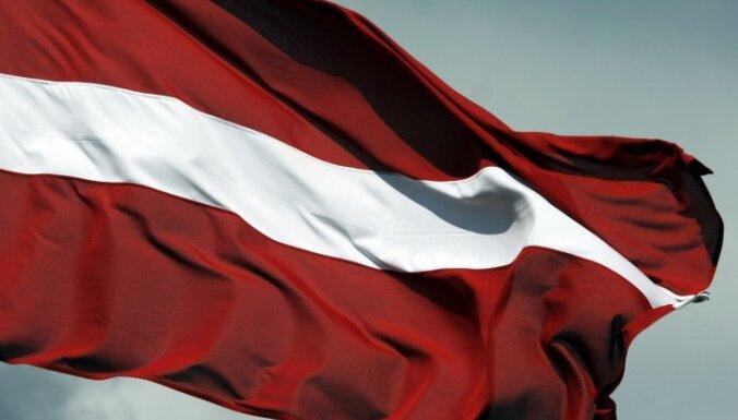 Valsts svētku nedēļā 12 skatu torņos plīvo Latvijas karogi