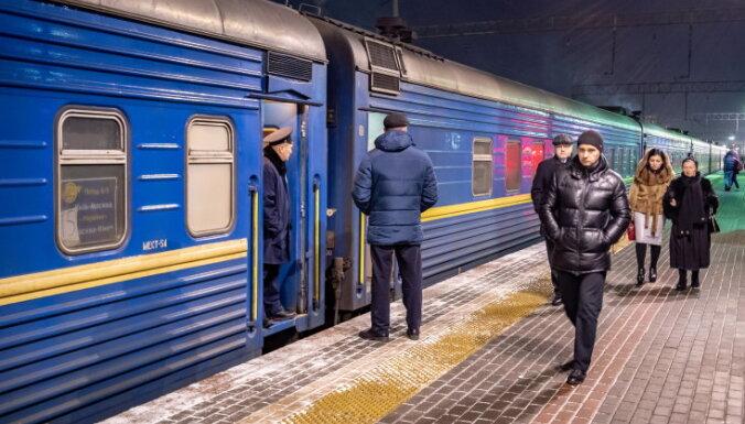 """""""Це дебилизм"""". Что происходит в поездах, едущих из России на Украину"""