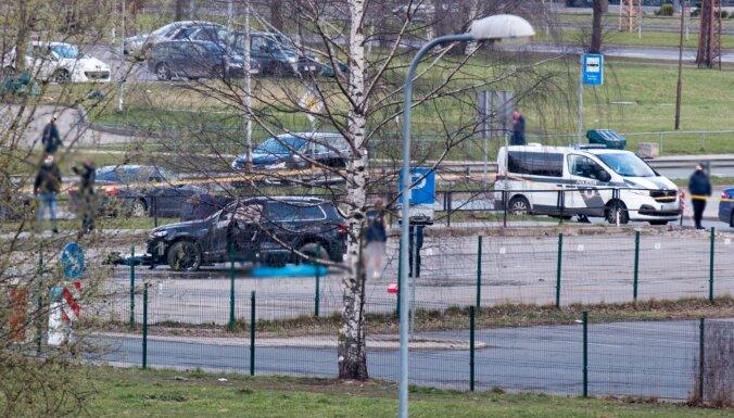 Purvciemā nošauts cilvēks – policija lūdz atsaukties autovadītājus ar videoreģistratoriem (plkst.12.30)