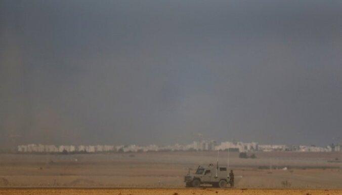 Izraēlas tanki apšauda Gazas joslu, atbildot uz izšautu raķeti