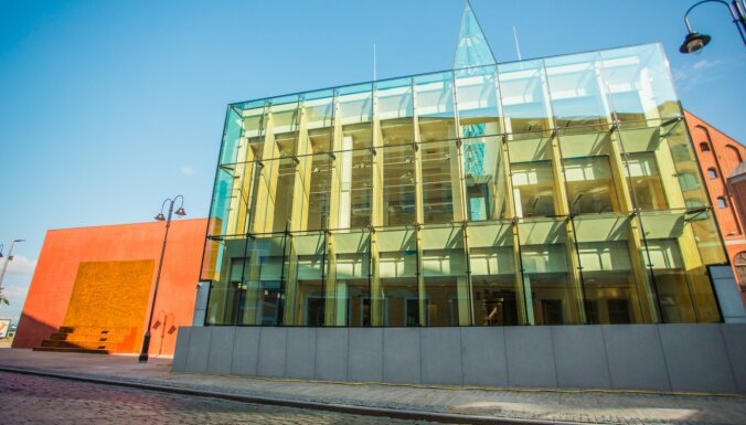 Okupācijas muzejs vēl nevar ievākties rekonstruētajā ēkā; tajā jānovērš daudz defektu