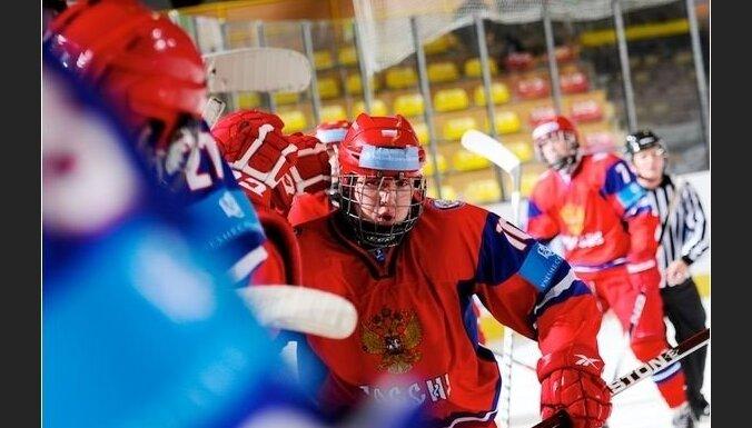 ЮЧМ-2014: Российские хоккеисты обыграли сверстников из Канады