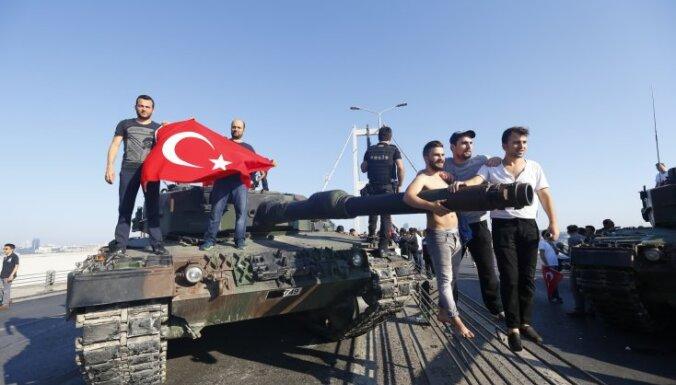 В Генштабе Турции назвали заговорщиков и привели новые данные о жертвах переворота