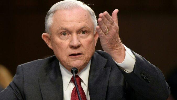 """Генпрокурор США отрицает свою причастность к """"российскому делу"""""""