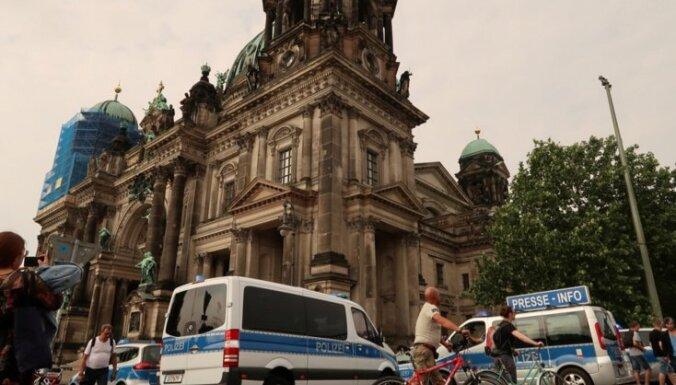 Полицейский выстрелил в дебошира в Берлинском кафедральном соборе