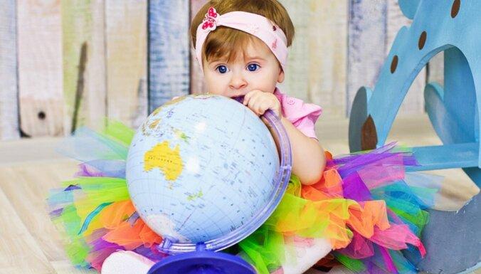 Kā sagaida mazuļus citās pasaules valstīs – tradīcijas, valsts atbalsts, medicīniskā aprūpe