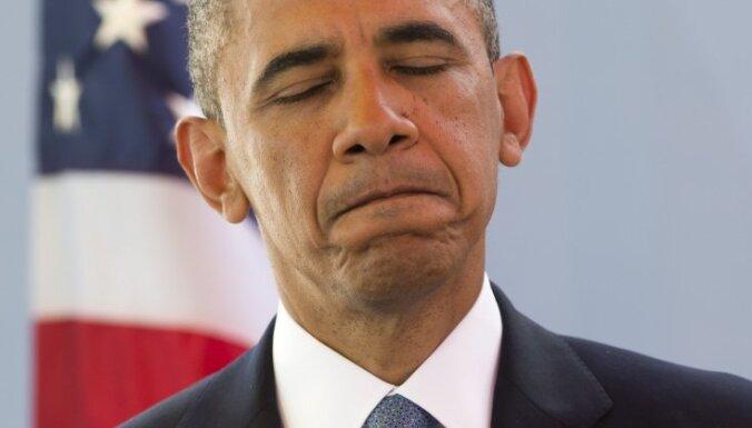 Обама подвергся критике за рукопожатие с Кастро
