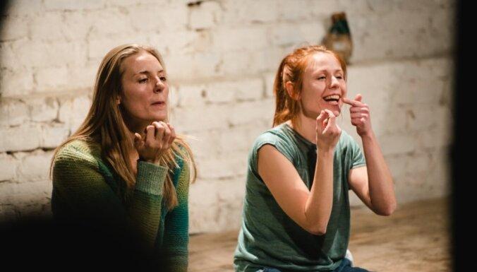 'Dirty Deal Teatro' aicina uz otrajām 'Kara piezīmēm'