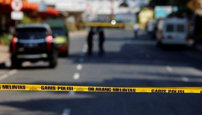 Pie policijas ēkas Indonēzijā uzspridzinājušies četri teroristi