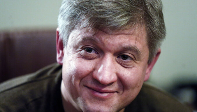 Первая громкая отставка в команде Зеленского. Это победа Коломойского?
