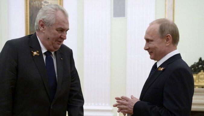 Krima pieder Krievijai, sludina Čehijas prezidents