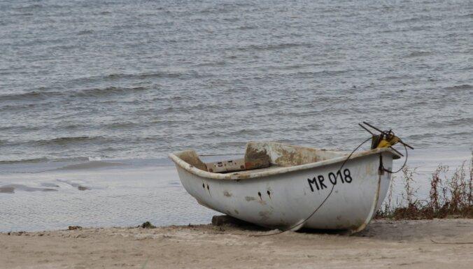 В море перевернулась лодка: спасатели ищут пропавшего без вести человека